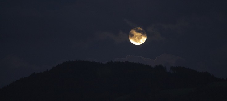 sky-moon-moonrise-night